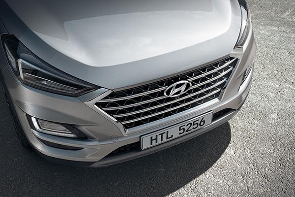 Hyundai Signature Hexagonal Radiator Grille